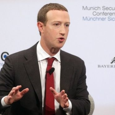 Mark Zuckerberg: Facebook boss urges tighter regulation
