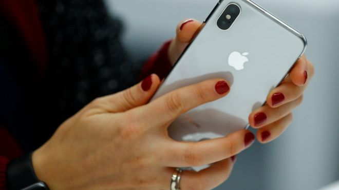 Apple iPhone at risk of hacking through email app